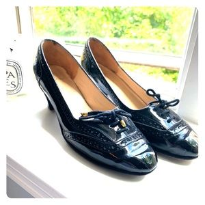 Black, patent leather pumps SIZE 9 BARELY WORN